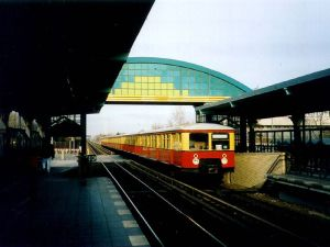 S-Bahn Berlin (Public domain by Axel Mauruszat)