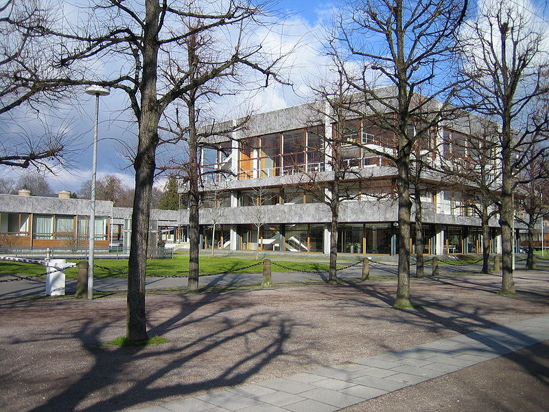Bundesverfassungsgericht Karlsruhe (gemeinfrei, from RoBi 2006)