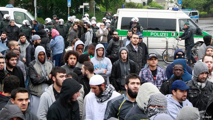 Salafisten in Deutschland (Bild: DW)