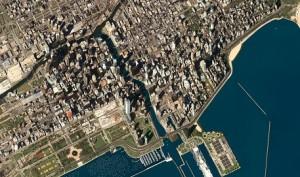 Foto: eoVision/GeoEye, 2011, distributed by e-GEOSDie drittgrößte Stadt der USA beeindruckt mit Wolkenkratzern am Chicago River, während Yachthafen, ein Vergnügungspark und eine Wasseraufbereitungsanlage in den See ragen.