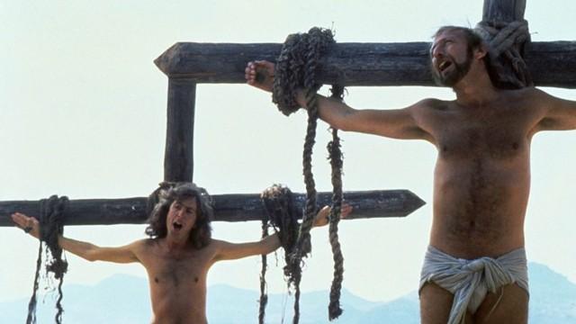 Jeder ein Kreuz.