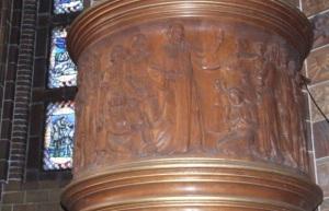 Relief der Kanzel der Martin-Luther-Gedächtniskirche (Bild: Wikimedia Commons/Harald Rossa, CC-BY-SA 2.5)