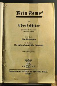 Hitlers Mein Kampf, Dokumentationszentrum Kongresshalle Nürnberg (Public Domain)