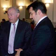Günther Beckstein und Aiman Mazyek, Bild: bb