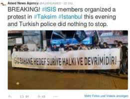 """Bild: Twitter @AJANSAMED Auf der Istiklal demonstrierten Mitglieder islamischer Vereine mit schwarzen Tauhid-Flaggen und """"Allahu ekber""""-Rufen gegen die US-Luftangriffe auf die syrischen IS-Stützpunkte"""