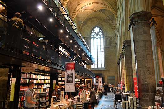 ehem. Dominikanerkirche in Maastricht, jetzt Buchhandlung und Kaffeehaus