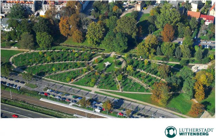 Himmelskreuz, Luthergarten. Wittenberg. Bild. screengrab Stadtgespräch-Dok.S.26