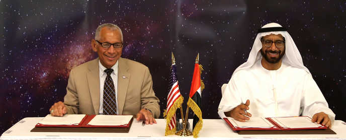 NASA Administrator Charles Bolden and UAESA Chairman Khalifa Al Romaithi. Image: NASA