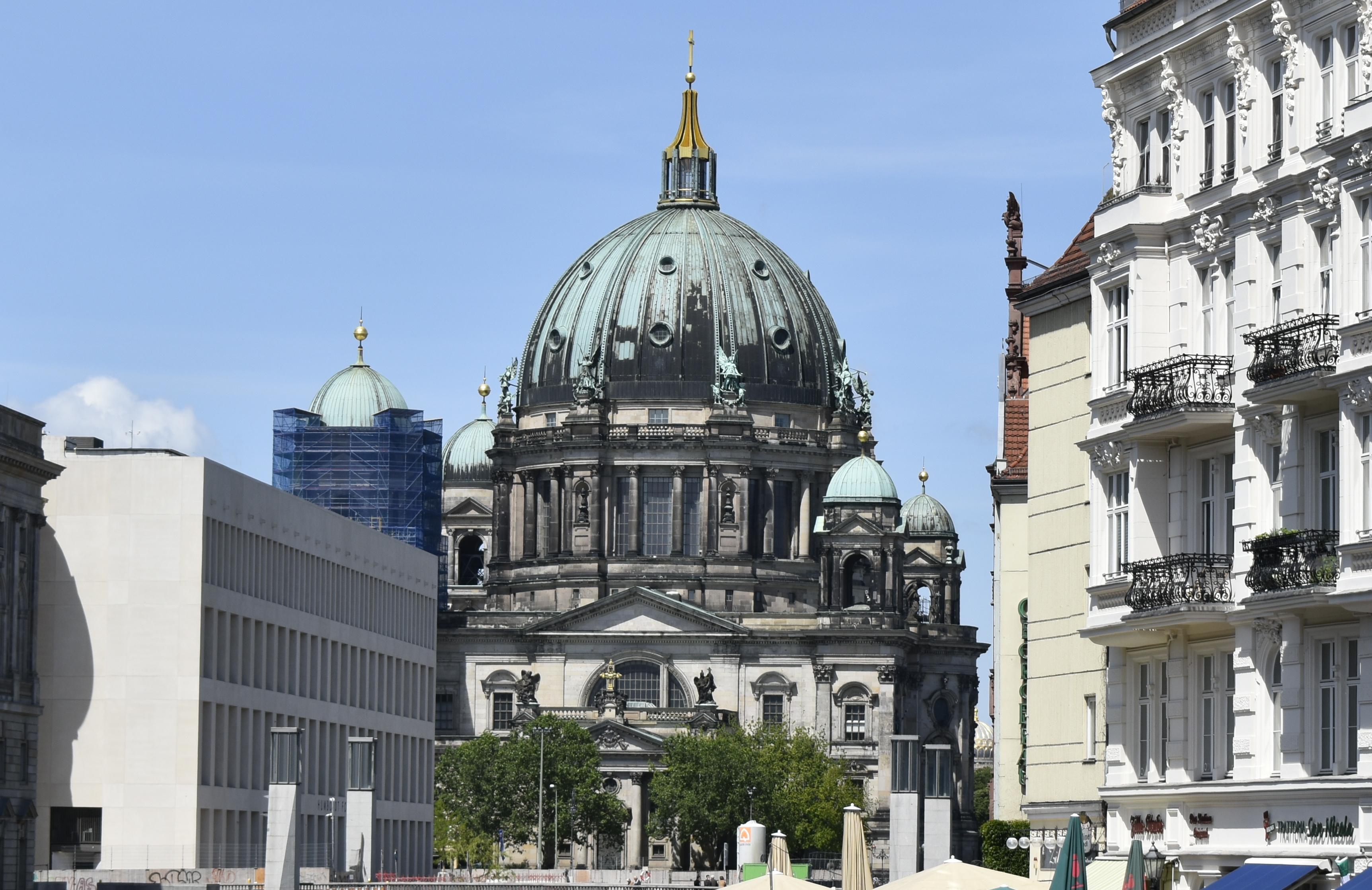 Berliner Dom, Ostseite Berliner Schloss und Nicolai-Viertel